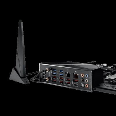 ASUS ROG Crosshair VIII Hero WiFi - Antenna View