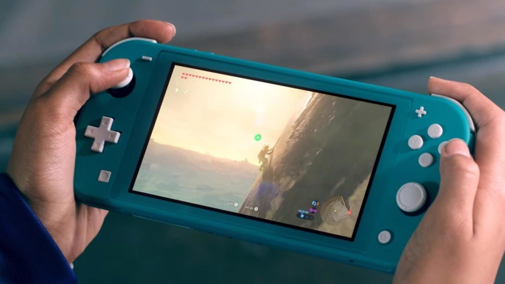 Nintendo Switch Lite Turquoise Gameplay
